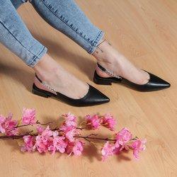 Offerte di Abbigliamento, Scarpe e Accessori nella volantino di Globo Moda ( Per altri 9 giorni )