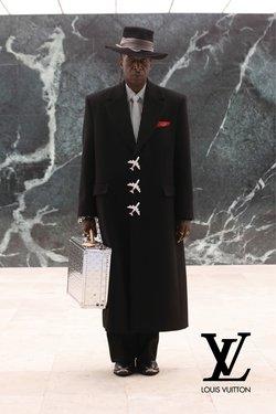 Catalogo Louis Vuitton ( Più di un mese )