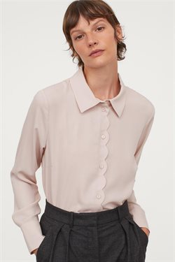 Offerte di Abbigliamento, Scarpe e Accessori nella volantino di H&M ( Per altri 9 giorni )