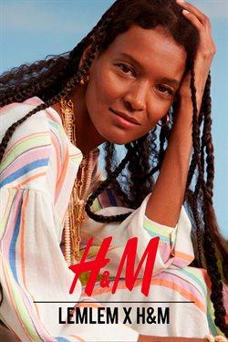 Offerte di Abbigliamento, Scarpe e Accessori nella volantino di H&M ( Per altri 11 giorni)